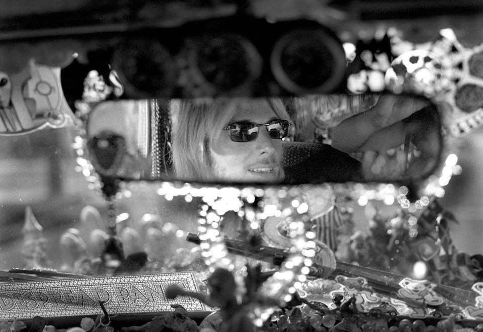 11-Petra-Arnold-Fotografie-Portrait-Reportage-Street-Photography-Portraits-New-Orleans-Kelly-Israel-Decoratet-Car-Bourbon-Street.jpg